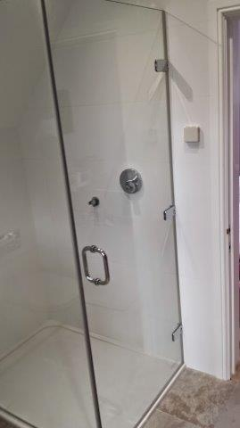 Chislehurst Frameless Shower