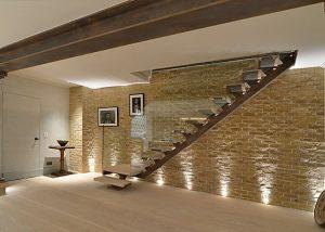Beautiful Glass Staircase Balustrade